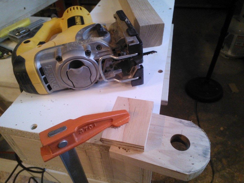 cutting_bracket